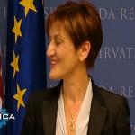 Martina Dalić - moli kamere da pobrišu smijeh