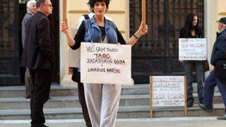 Gordana Kolega - prosvjed pred zadarskim sudom