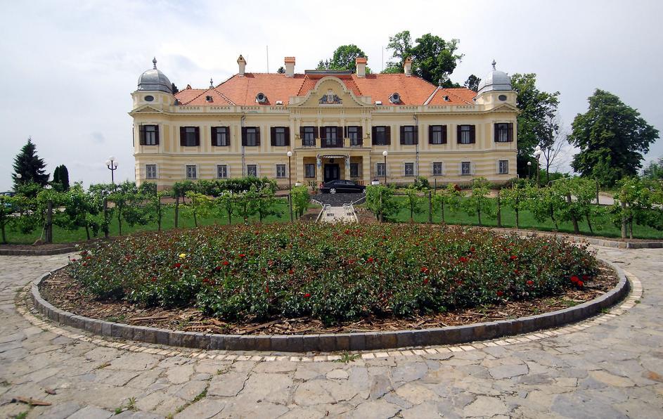 dvorac 4