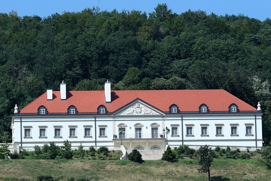 dvorac 5